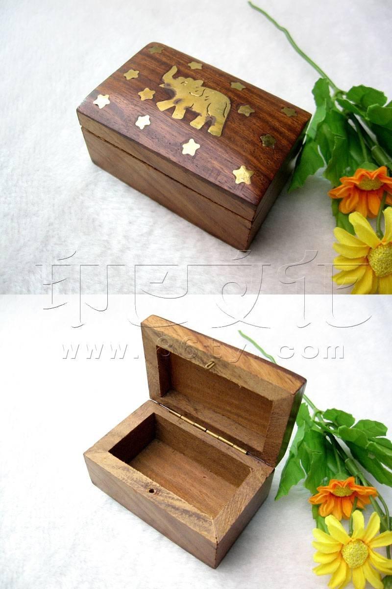 嵌铜片桃木首饰盒