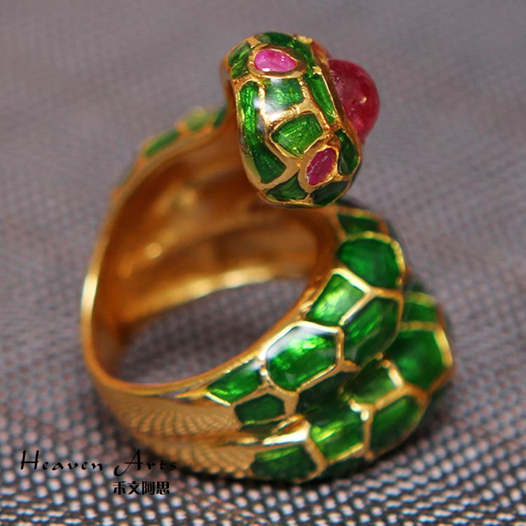 欧式风格的情侣戒指