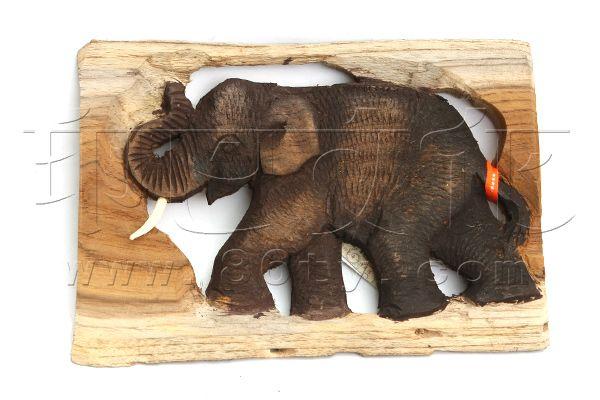 【木制品】使用注意:木制品要防止暴晒以避免开裂,同时请不要用水